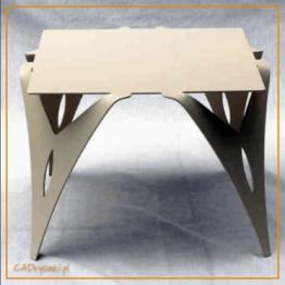 Stół z blatem kwadratowym i nogami stalowymi wycinanymi laserowo