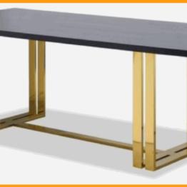 Biurko ala industrial z dwoma podwójnymi nogami stalowymi.