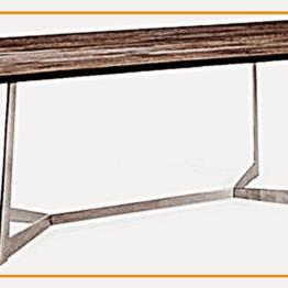 Wygodne biurko z podnóżkiem ze stali czarnej.